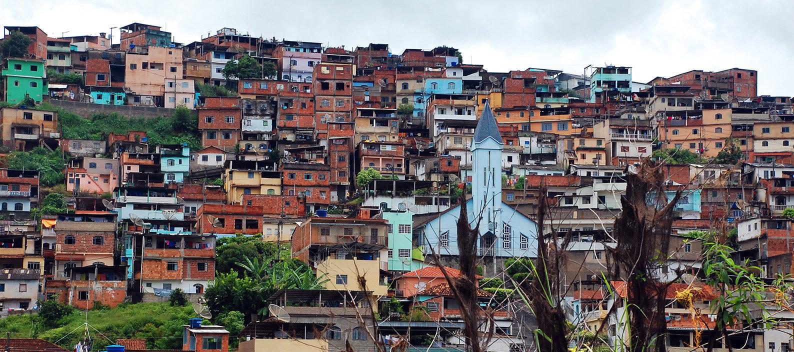 brazil-slums_ngsversion_1396531542901